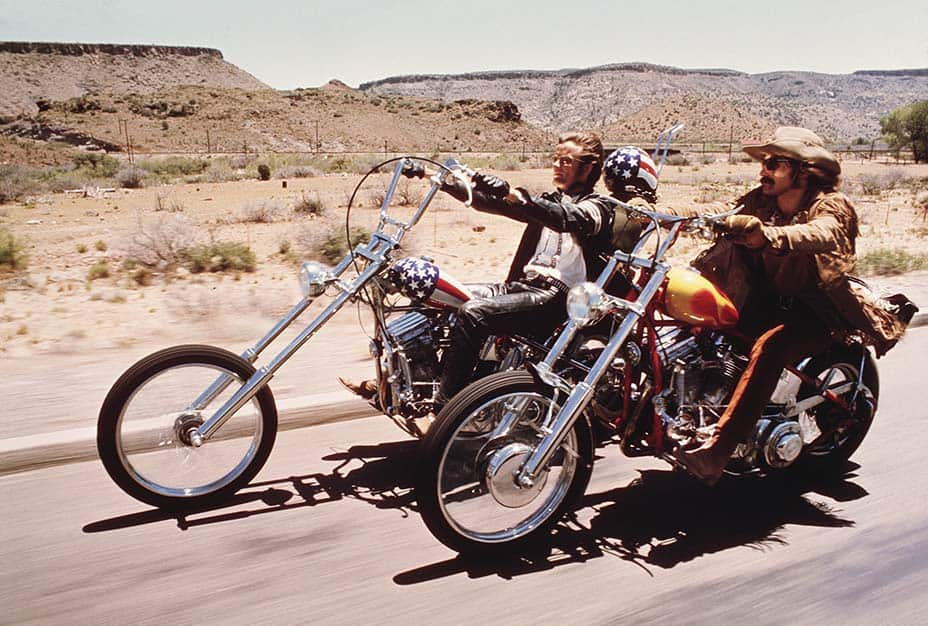 Easy Rider (1969) Directed by Dennis Hopper: Shown from left: Peter Fonda, Dennis Hopper Photo Courtesy Columbia Pictures Photofest