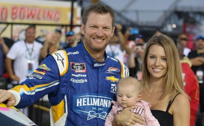 Plane Carrying Dale Earnhardt Jr., Wife and Daughter Crashes in Tennessee