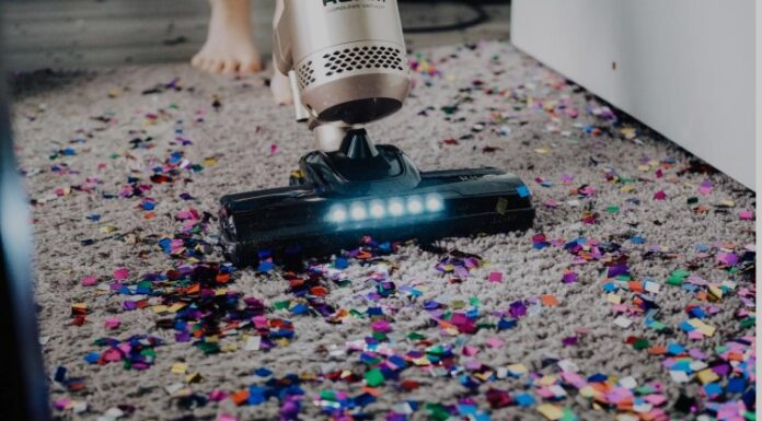How To Clean Carpets Effectively: 4 Tricks