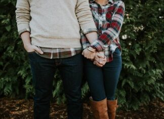 Match Outfits as a Couple
